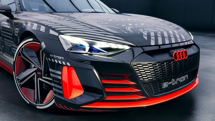 Front view of the Audi e-tron GT concept