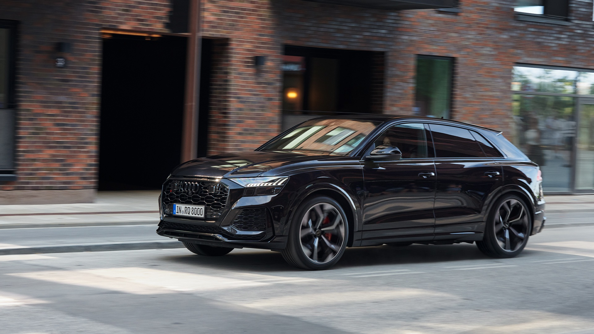 Audi RS Q8 in black